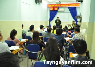 Khóa Học Kỹ Năng Đứng Trước Đám Đông