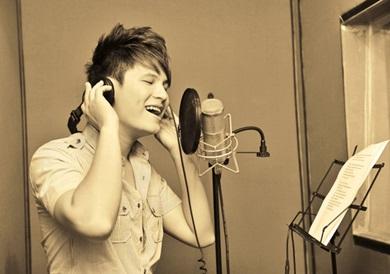 Sự khác biệt giữa thu âm và hát karaoke