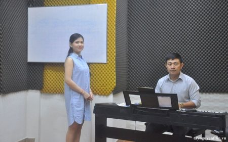 Học hát karaoke nhạc trữ tình