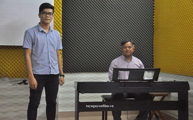 Học làm ca sĩ tốn bao nhiêu tiền