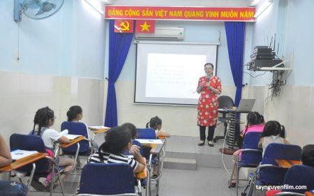 lớp học làm mc cho bé