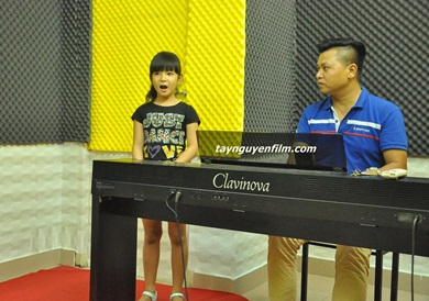 Lớp học hát cho trẻ em