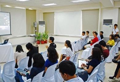 Khóa học kỹ năng giao tiế hiệu quả trong kinh doanh