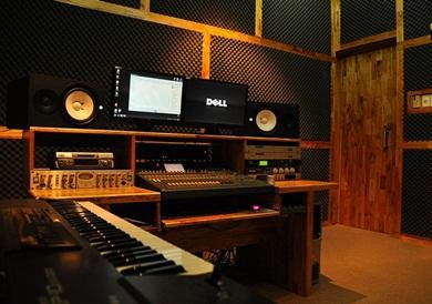 phòng thu âm cho sinh viên