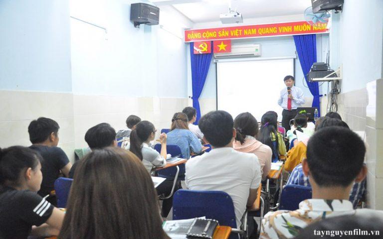 khai giảng khóa học giao tiếp tháng 8 năm 2020