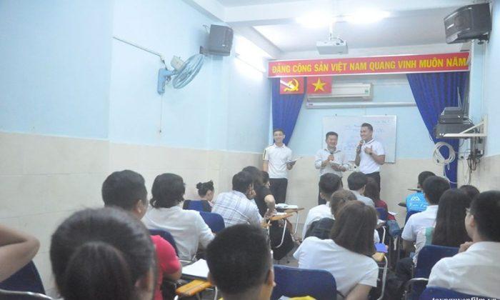 khóa học kỹ năng nói chuyện trước công chúng tháng 8.2020