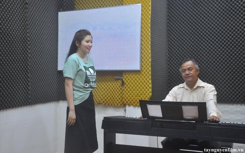 Bí quyết giúp bạn thành công với nghề ca sĩ