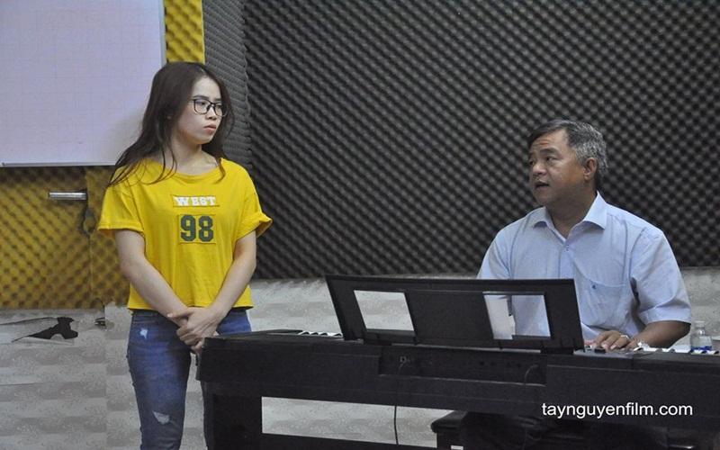 muốn làm ca sĩ thì học ở đâu