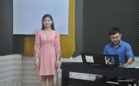 Muốn làm ca sĩ có cần bằng cấp không