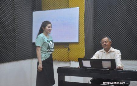 lớp học thanh nhạc tại nhà