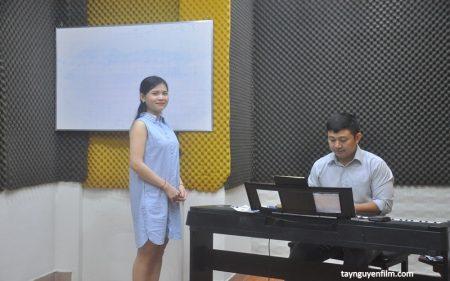 lớp học hát cho người mới bắt đầu