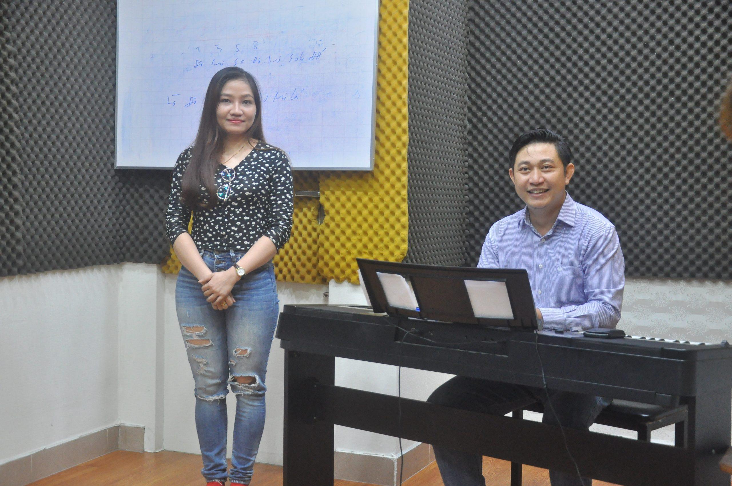 khóa luyện hát karaoke căn bản